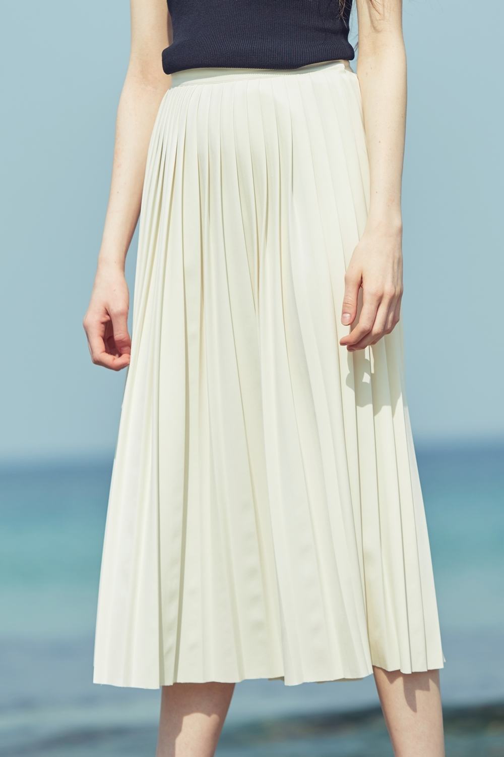 FULL PLEATED SKSK72001 IVORY