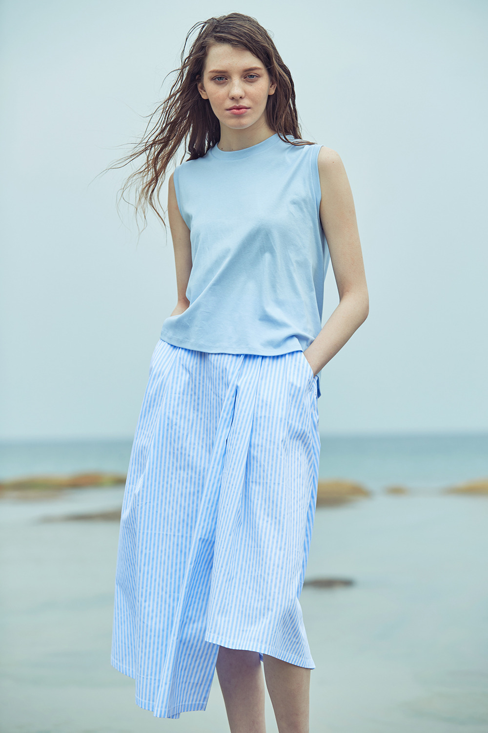 UNBALANCE SLEEVELESS TT72001 LIGHT BLUE